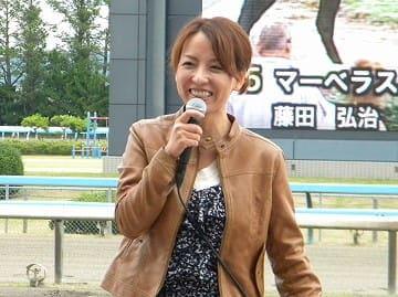 山崎エリカ 笑顔