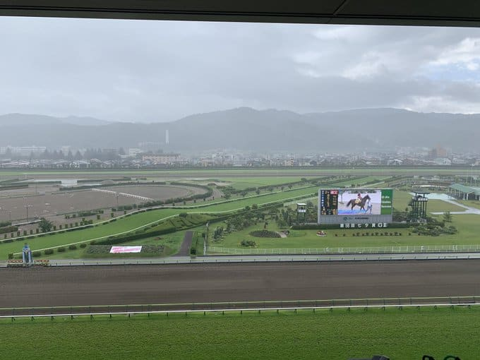 福島競馬場 ターフビジョン