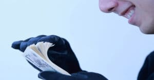 競馬予想サイト詐欺の手口を見破る5つの方法!己の身は己で守れ!