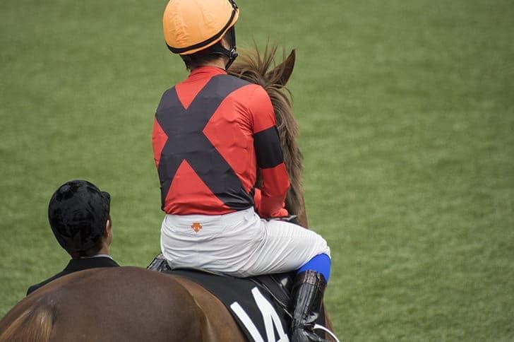 騎手 写真