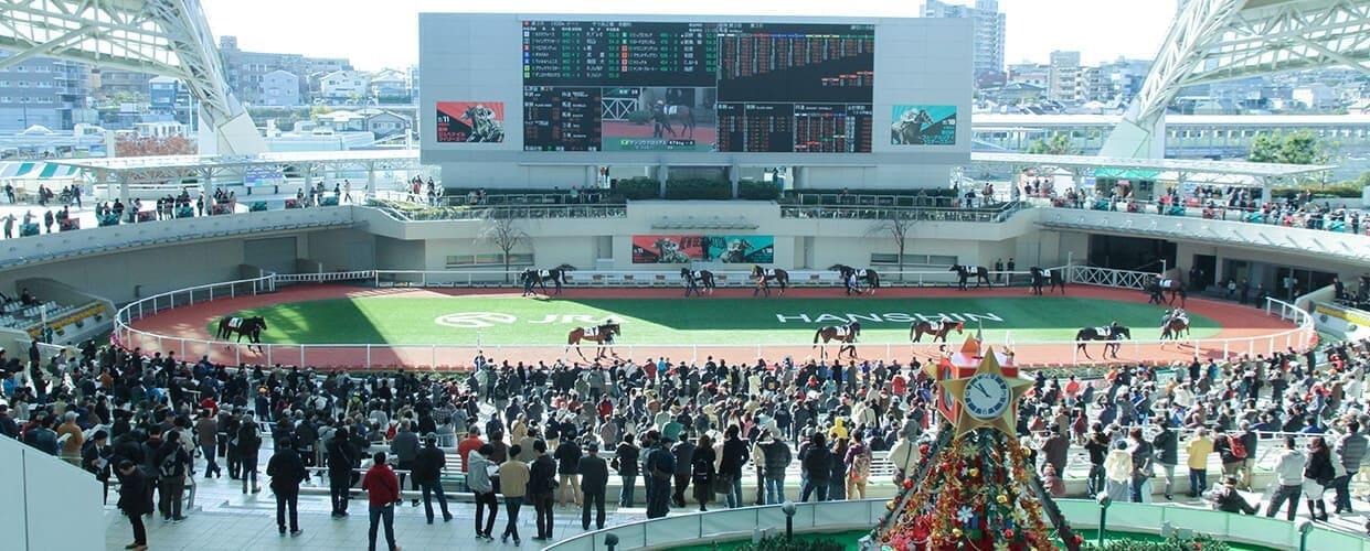 競馬 ファンファーレ 阪神競馬場